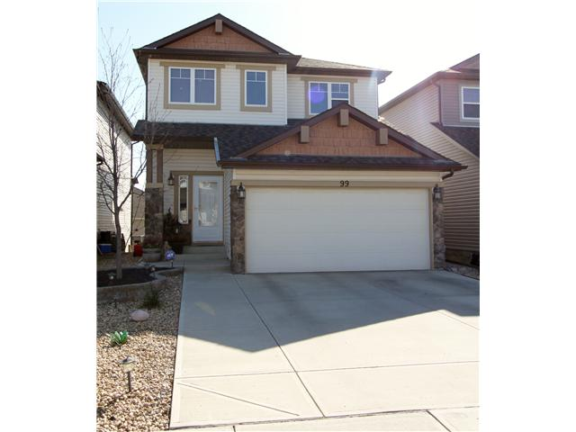 PRISTINE PANORAMA HOME! AS YOU ENTER THIS IMMACULATE HOME, YOU WILL BE IMMEDIATELY IMPRESSED BY THE BRIGHT AND OPEN FLOOR PLAN. SHOWCASING GLEAMING HARDWOOD FLOORS THAT ARE ACCENTUATED BY MULTIPLE EAST FACING WINDOWS. THE KITCHEN IS STUNNING WITH SLIDING SHELVES INSIDE THE LOWER CUPBOARDS, STAINLESS STEEL APPLIANCES, AND A FAMILY-SIZE EATING BAR. THE UPPER FLOOR FEATURES 3 SPACIOUS BEDROOMS AND A BONUS ROOM WITH VAULTED CEILINGS. THE WALKOUT BASEMENT IS FULLY FINISHED WITH PERMITS. THE BACKYARD HAS MAINTENANCE-FREE ARTIFICIAL TURF. THIS HOME WAS DESIGNED FOR THE DISCRIMINATING BUYER AND WON'T DISAPPOINT. CLOSE TO PLAYGROUND, SCHOOLS, PUBLIC TRANSPORTATION, AND SHOPPING. CALL NOW TO VIEW!