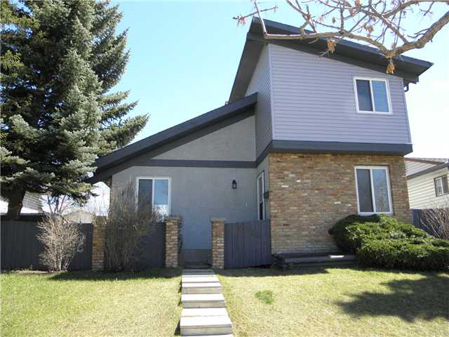 Wow! Your new home is a very bright 3 bedroom 2.5 bath home across from a park with a large updated kitchen, vaulted ceilings, two storey fireplace and an oversized garage with attached office, and RV parking! Great location close to schools, shopping and parks. Unique home, must be seen, call realtor for showings!