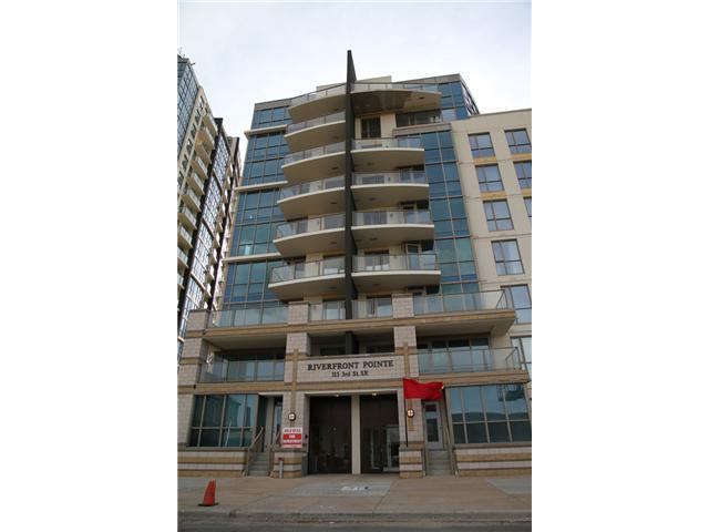 PRICED TO SELL!!  This 2 bedm/ 2 bathroom condo is located in the trendy downtown East Village, very large balcony with fantastic river view! Enjoy this contemporary unit with a great layout which features a breakfast bar, trendy shag carpet, black appliances and in-suite washer/dryer, underground heated parking and onsite fitness facilities, Walk to work with a +15 system only 1 block away. City hall LRT only 2 blocks away!Enjoy the new River walk and nearby outdoor amenities: Prince's Island Park, Eau Claire market, Chinatown etc. Modern keyless access and secure bike storage. Great value !