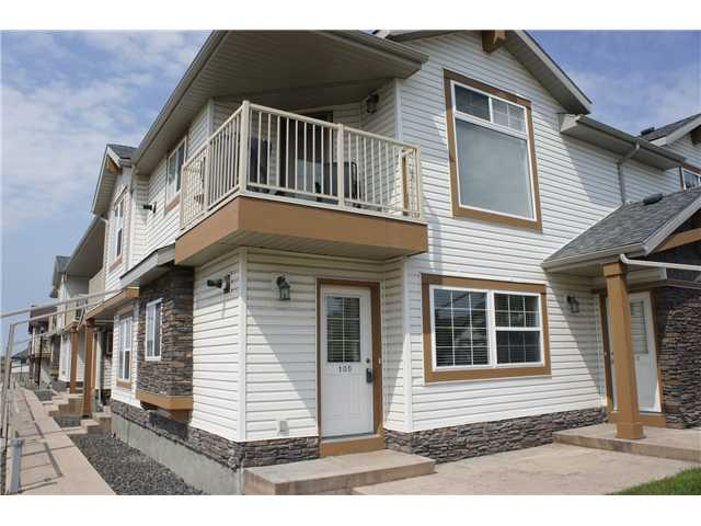Steps away from school and public transit, welcome to this super end unit stack townhouse in prestige Panorama Hills.  It features 2 good size bedrooms, large living room, open kitchen with island, in suite laundry with washer and dryer, large storage area.  It is close to school, playground, public transit, shopping, and easy access to all major roads.   ** 105 20 Panatella Landing NW **