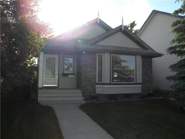 Back on the market due to financing. (had multiple offers) Wow! Your new home is a 3 bdrm 3 bathroom 4 level split that boasts a bright open plan with vaulted ceilings and a 3rd level walkout with bedroom and full bath! Lots of upgrades including central air, gas fireplace, new hot water tank, high grade laminate, backsplash, countertops, poured walkways, and an immaculately landscaped yard. Must be seen, call realtor today!!