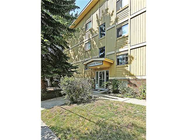 Come and have a look at this great little 2 bedroom condo located on a quiet cul-de-sac in the fantastic inner city community of Bridgeland. This 3rd floor unit is ready to move in with neutral paint colours, new medium brown laminate flooring, in suite laundry, views of downtown, and loads of little extras you're sure to appreciate including low condo fees of under 350 dollars a month that include everything except electricity.  Assigned parking in back, a basement level storage locker, new bike lock up coming in the next year or two, along with some other great future building upgrades. Walking distance to downtown and all of the trendy shops and restaurants Bridgeland has to offer. Call your favourite Realtor to view this condo today!