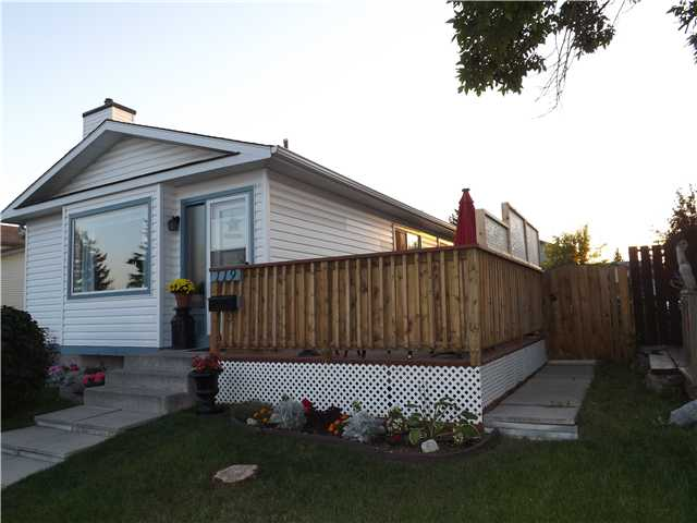 Fantastic 3 bedroom home across from a playground and park, shows 10/10, very well cared for. Bright open plan with new furnace, flooring, counters, cabinets and appliances, seems much larger than it is. Large deck many extras, good sized yard with room for a garage and rv parking. Must be seen, call realtor today!