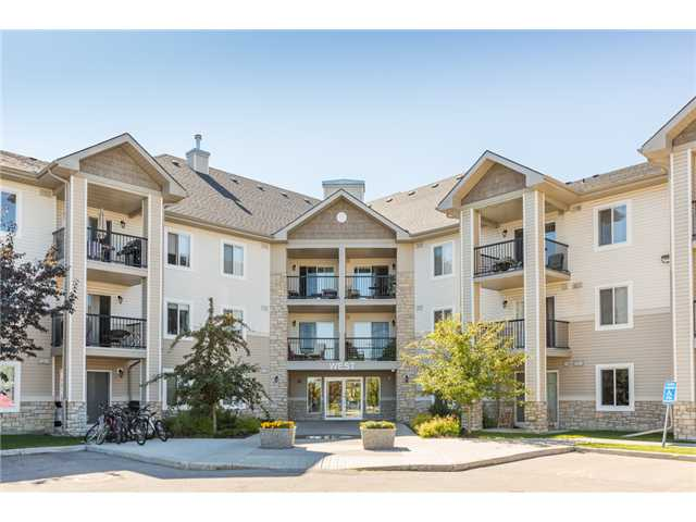 If you are trying to get into the Calgary market this charming 2 bedroom condo with underground parking close to amenities and transit is a must view. Conveniently located across the street from restaurants, pubs, the grocery store & a pharmacy, you will only need your vehicle to leave town. This unit has fresh new paint, a new tile backsplash and it has been professionally cleaned including the carpets. It is move in ready and available for a quick possession. The kitchen opens up to the living and dining room and this end unit has a large private south facing balcony. The master bedroom has two large closets and a cheater door to the 4 piece bathroom. The second bedroom is perfect for a roommate or guests. There is a separate laundry closet with extra storage space and the washer & dryer is included. No more scraping the snow off of the windshield as you have a titled underground parking stall. Take a tour and appreciate the value here. Condo fees include heat & electricity making budgeting a breeze.