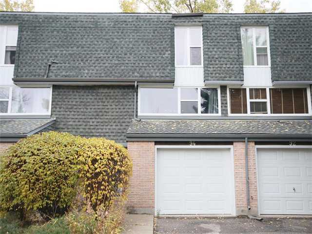 Fantastic, RENOVATED 4 level split backing onto private green space with your own fenced, west facing backyard. Excellent floorplan with fully open concept kitchen/dining room, large island/eating bar & tons of counter space, modern cabinets, gas stove, beautiful new backsplash and ceramic tile flooring, entrance out to back patio. Large living room with plenty of windows. Huge master bedroom with vaulted ceilings, renovated en suite, lots of closet space. Basement is fully finished and perfect for a media room, recreation area or home office. Oversized single attached garage. Conveniently located, steps away from Southland leisure centre, parks, transit, shopping & schools.