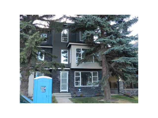 OPEN HOUSE JAN 31 1-4 & FEB 1 1-4PM Quick possession special price!!! Located in the beautiful community of Parkdale and comes with a peekaboo view of the Bow river from the 2nd floor rec room. You are just steps from the river and all the pathways along it. All the little extras have been included. The main living area has hardwood flooring, and plenty of windows to allow for natural lighting. The kitchen has custom built cabinets, Quartz countertops and an island. The large master bedroom is located on the 3rd floor by its self allowing for more privacy. The ensuite has a separate shower and his and hers sinks. The second floor is where the other bedrooms and main bath and laundry room are located. The basement is fully developed and includes a 4th bedroom, and a den/office with a wet coffee bar. Price includes an appliance package and a blind package so that all that's  left to do is for you to move in and make this house your castle.
