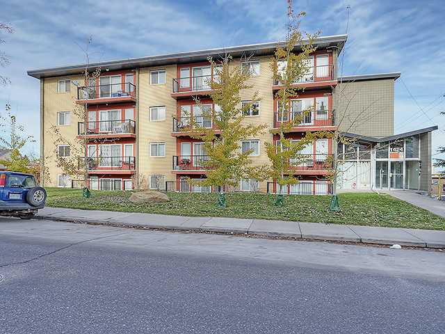 Today just may be your lucky day!  This fantastic, open concept, 1 bedroom condo in Bankview is a must see.  Great property for a first time buyer or a savvy investor. Updated and trendy this condo has in suite laundry, covered parking out back, and condo fees under 255 dollars per month that include everything except electricity. This 4th floor unit is ready to move in with neutral paint colours, medium brown wood floors, granite in the spacious kitchen and bright South facing balcony. This property is nice and quiet and you don't hear everything your neighbours are doing -- and they don't hear you. Walking distance to 17th Ave, 14th Street shops, Mardaloop shopping -- it's in the heart of everything the area has to offer. Call your favourite Realtor to view this condo today!