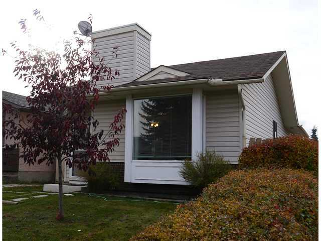 OPEN HOUSE SUNDAY  NOVEMBER 30  1-4 PM : Best value in Lake Sundance.  Start enjoying this detached fully finished bungalow located on a quiet kid friendly cul-de-sac walking distance to schools, lake & amenities.  This bright & spacious home features 3 bedrooms, 2 full bathrooms, large kitchen with nook, lower level family room, lots of storage & extra parking.  This property is the perfect opportunity for first time buyers to get into the market or investors looking for a great rental home.