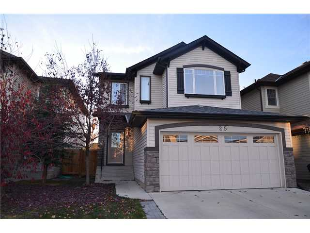 More than 2000 sqft and developed basement, welcome to this well kept and upgraded family home in prestigious Evergreen.  It features new roof shingles (2014), 3 good size bedrooms up, large ensuite with separated shower and corner soaker tub, large bonus room, main floor with 9 feet ceiling, wrought iron railing on the stairs, hardwood floor in the kitchen and dining area, stainless steel appliances, higher kitchen cabinets, developed basement with large family room, 1 bedroom, and full bathroom.  It has sunny west backyard, fully fenced and landscaped.  It is close to playground, school, shopping, and public transit.  ** 25 Everoak Circle SW **
