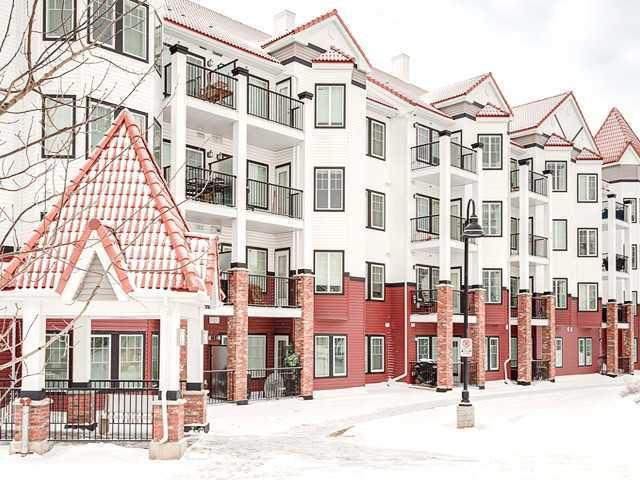 Welcome to Red Haus by Streeside Developments. This unit is truly immaculate, the floors are brand new, and it is complete with high end features such as 10 ft ceilings, granite counter tops, high end black appliances, a built in desk and in-suite laundry! The building offers the convenience of heated underground parking and storage, as well as its very own club haus with an exercise room, and a rec room with a pool table! There is also plenty of visitor parking! This is a great investment opportunity. Please call to schedule your private viewing!