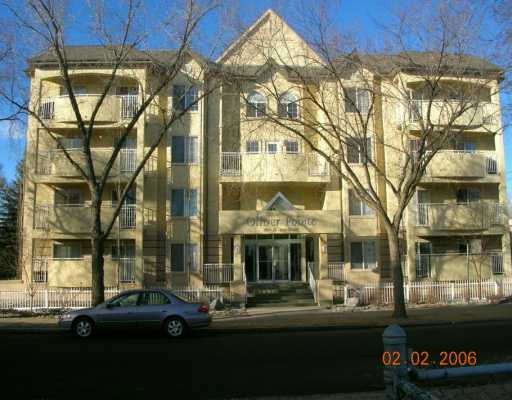 2 BEDROOM, 2 BATHROOM 1055 SQFT CONDO IN OLIVER POINTE. MAPLE CABINETS AND VANITIES. OPEN KITCHEN. JACUZZI & SHOWER ENSUITE. GAS FIREPLACE, INSUITE LAUNDRY, EXTRA LARGE STORAGE ROOM, PRIVATE U/G PARKING, ALL APPLIANCES INCLUDED, SMALL PETS ALLOWED.
