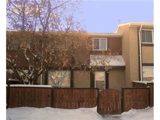 For investors a nice revenue property. For first time home buyers and ideal starter home. Why rent? This nicely maintained home has 3 nicely sized bedrooms and 1 1/2 baths. The basement has the finished family room, ideal for the kids or the big screen TV. Great location, backing onto a wooded ravine, yet close to all amenities, including elementary schools, playgrounds, shopping, bus service and the LRT. And best of all this home is move-in ready, comes complete with 5 appliances and is available on short notice. All measurements to be verified by purchaser.