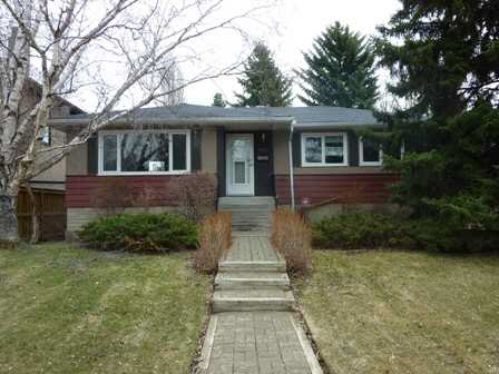 "Crestwood Bungalow.""Preferred"" Quiet Tree Canopy Street.Many High Quality In-Fill Properties Nearby.40 + Yrs.of ""Pride of Ownership"" 3 + 1 Bdrm.2 Bath.Hardwood.Windows,Kitchen,Mechanical + Upgrades over Original.Dining Room c/w Built in""Hutch"",Pantry.Fully Dev.Bsmt.c/w Family Rm.4th Bdrm.Bath.Ample Storage Utility.Fabulous Mature Trees,Landscaping.Schools,Community,Boutique Shopping,Restaurants.Short distance to River Valley Trails. Double Garage 53'X 145' Lot Enjoy the Quaint Residence,or Plan your Dream Home in the Location of Desire. Crestwood Truly Rare"