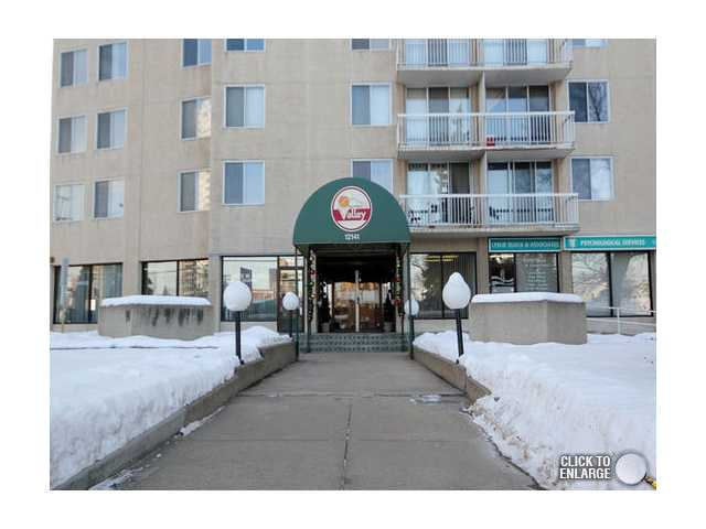 Excellent investment opportunity for the renovated 2 bedroom 945sq ft unit. This condo could easily rent out for $1200-1500 mth. This quiet corner unit has river valley views, plenty of storage space and the SELLER IS HIGHLY MOTIVATED to SELL!! Titled underground parking stall, condo fees include all utilities. MUST SEE AND MUST SELL!!