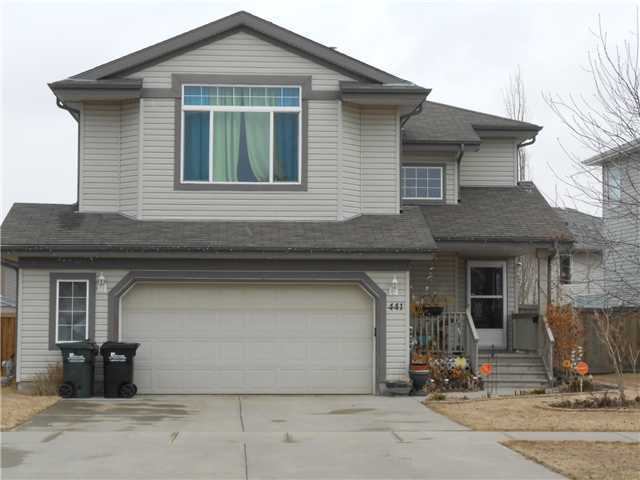 Beautiful, bright, open concept 2 storey in Clarkdale Meadows! The main floor features a a warm and sunny entrance, a 2 pc. bath for your guests, a cozy living room with a bay window and fireplace, and a large kitchen with tons of maple cabinets and a pantry. The extra large dining nook overlooks the gorgeous backyard complete with a stunning new deck, fruit trees, perennials, shrubs and a vegetable garden. Hardwood flooring & new carpet on the main level, and this home also boasts main floor laundry, an oversized garage and central A/C! Upstairs is a huge bonus room with your 2nd fireplace and 3 bedroooms. The master bdrm has a large sitting area, a walk-in closet and 4 piece bath with jacuzzi tub! The 2nd and 3rd bdrms are large and spacious and a 4 piece main bath completes the upper level. The bright open basement has large windows and awaits your personal vision.