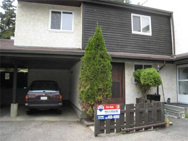 **WELCOME HOME** Great 3 bed, 1.5 bath townhouse backing onto green space. The highly desiresable split floor plan is great for a family. You will enjoy the attached carport all year long. Wonderfully located in the Kings Hill complex in the Hillview community. Close to schools, shopping and transit. Fabulous location in a secluded area, away from busy streets and traffic. Price includes a $5,000 upgrade credit for the Buyer to use.