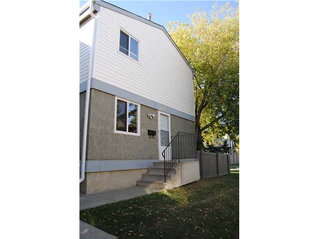 Very well maintained 3 bedroom townhouse perfectly located within walking distance to schools, public transportation and West Edmonton Mall. This home will not disappoint with the many upgrades done throughout the years, including new kitchen cabinets, counter tops and stainless steel appliances. New high efficiency furnace and a fully finished basement. No carpet in this home, perfect for any one who may suffer from allergies. This unit has 2 entrances, one front and one side entrance with access to the basement. Enjoy the outdoors in the no maintenance yard all laid with paving stones. This complex is well managed and all major exterior components have been completed in recent years, including roofs, windows , doors and fencing. Plenty of visitor parking. Energized Parking stall assigned to this home is very close. This unit is in great condition and is move in ready. A must see!
