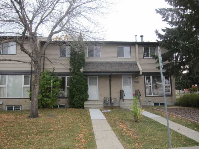 PRICE ADJUSTMENT Renovated larger sized 1248 sq. ft. 3 bedroom townhouse in a great Rock Glen complex. Large living room highlighted with an attractive fireplace. Functional kitchen and generous eating area. Extra large master bedroom with double closets. Two other bedrooms are a good size. Upgrades include professional earth tone paint, refinished kitchen cabinets, counter tops, new high quality laminate in the living room, hallway, new lino in kitchen, dining area, main bath, new closet doors, new lighting package, porcelain tile fireplace surround. Very well managed complex with all new shingles and siding in the last couple of years. Playground for the kids! Two energized parking stalls just outside the back yard. Stable complex with long term residents.