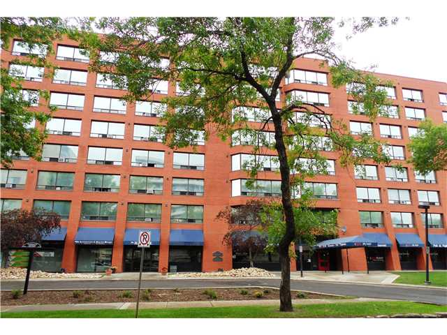 """THE HARGATE """"TOP FLOOR UNIT""""! One bedroom, one bath. Convenient same floor laundry & insuite storage. Heated underground parking stall. Great Oliver location! Close to public transit, shopping & schools. Property sold """"as is where is""""."""