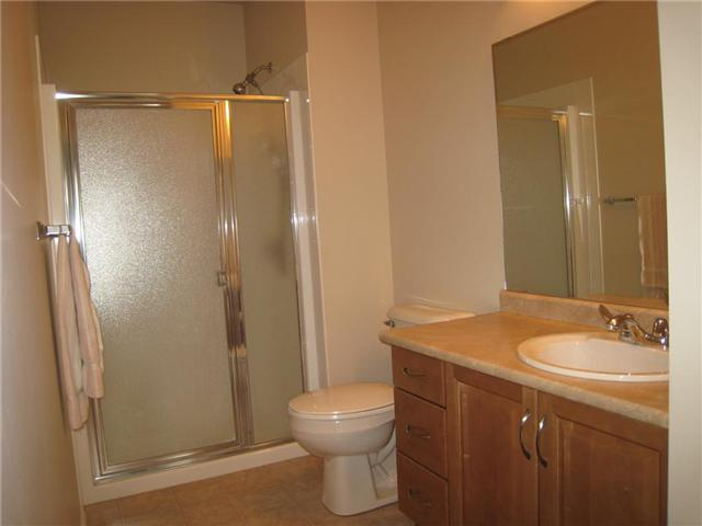 Master bedroom Ensuite Bath.