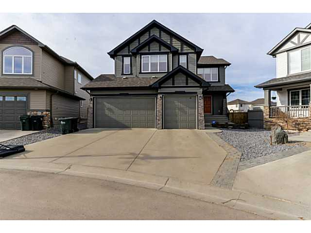 Here it is, THE LISTING THAT CHECKS ALL THE BOXES! This 2700+ sf two storey boasts the following features: Heated triple car garage, pie shaped lot with irrigation system, maintenance free deck, s/s appliances, walk thru pantry, open floor plan, dining room, large bonus room, air conditioning, upstairs laundry, 5 pce master en suite... Don't hesitate... This home is a 10!!!