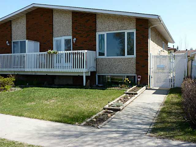 This ideal starter home is looking for a new family! At the asking price of $284,900 it also offers an amazing opportunity to get out of paying rent. Naturally this 1000+ sq ft bi-level has the 3+1 bedrooms and 2 full bathrooms but that only tells a part of the story. Being located near schools, parks, playgrounds, recreation, and shopping provides a complete community experience. Lots of room for a growing or established family. There is an abundance of in-home storage and the partially (85%) finished basement just needs a few finishing touches. A fully fenced yard with patio plus a parking pad round out this property.