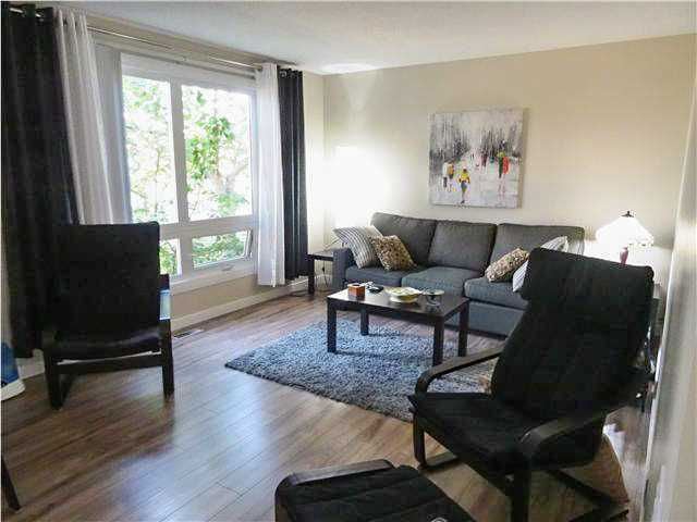 4 BEROOMS, RENOVATED how can you resist? Walking distance to Public & Catholic Schools, playgrounds and strip Mall. This awesome townhouse is bright, clean, and perfect for a growing family. Upgrades include new flooring up & down, brand new kitchen with appliances, brand new main bath upstairs & 1/2 bath on mainfloor. NEW FURNACE, NEW HOT WATER TANK new windows, new fence. Measurements are taken from condo plan & includes all living area CD 3926