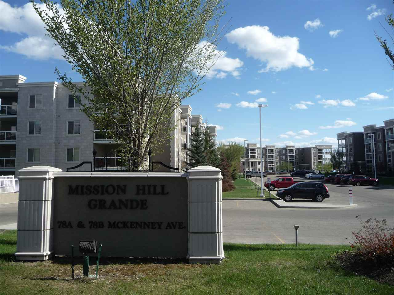 Attractive is the best word to describe the MISSION HILL GRANDE grounds. From the classy signage to the well maintained grass etc., you will be proud to call it home.