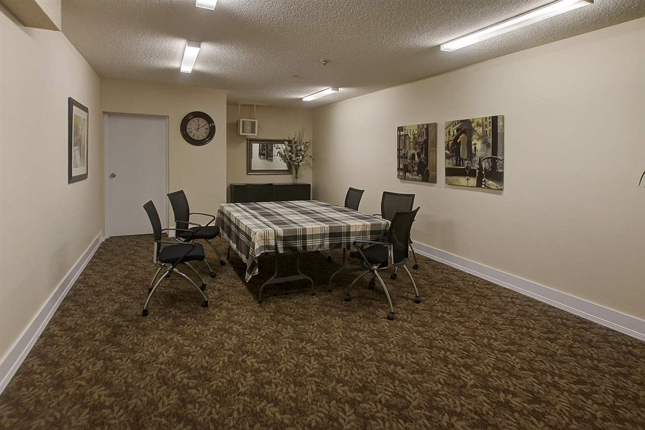 There is a party/meeting/games room on the main floor. Not many amenities are required when you are blocks away from Fountain Park pool, quaint restaurants, trendy shops and so much more to walk to within moments.