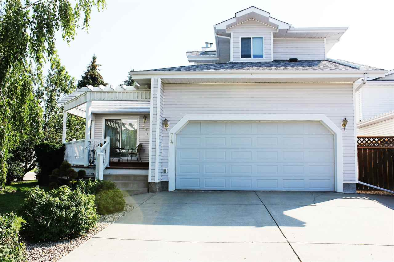 Just Sold This ListingRV PARKING DOUBLE ATTACHED GARAGE 36x22 SHOP 680 Sq M LOT Welcome Home To Fabulous 1512 Ft Main Floor