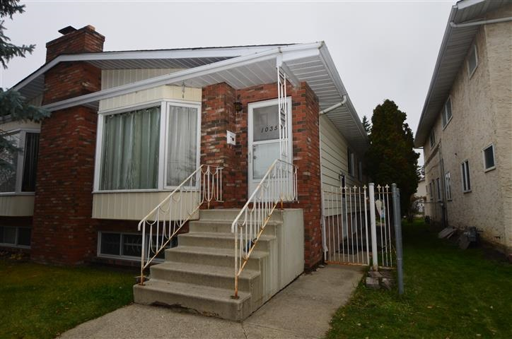 Great Opportunity for first time buyer or investor.  Put a little sweat equity in this solid half duplex in Canora.  Located on a quiet street in a mature neighbourhood close to public transportation, shopping and schools.  This home has 3 bedrooms up with a full bathroom.  The basement is partially finished with another bedroom, 3 piece bathroom, storage and laundry room.  Outside the fully fenced property you have a single detached garage.