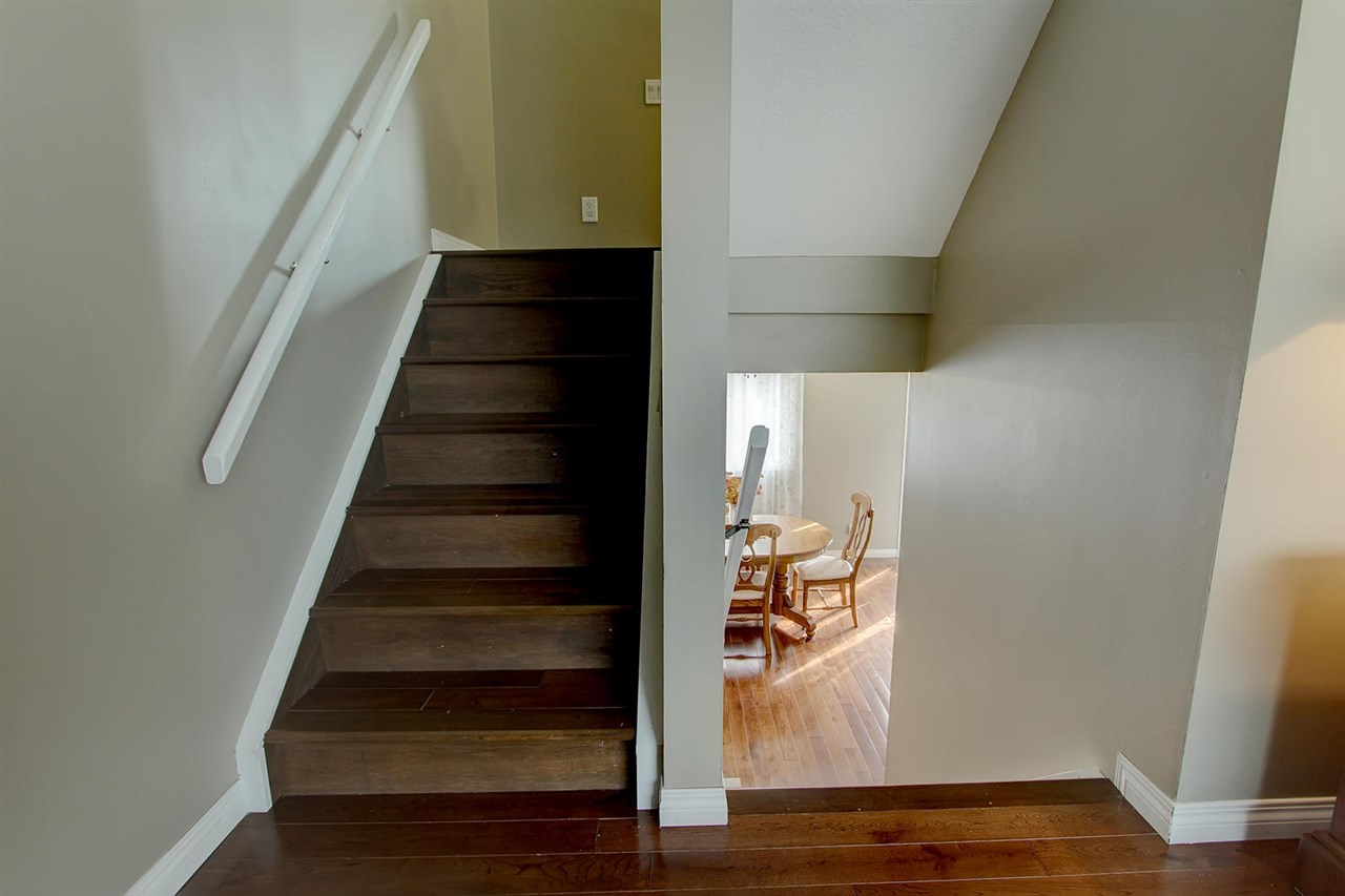 Hardwood is also on most of the stairwells.