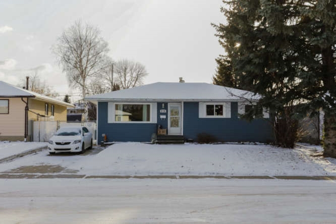 This 1080 sq ft upgraded bungalow is located on a quiet cres close to parks and walking distance to all levels of schools both public and separate.  This home has new siding and windows plus all new interior and exterior doors.  The kitchen has been upgraded with designer back splash, and many built in features such as spice racks, canned goods shelving and pots and pans.  The counter top and sink has also been replaced.  The 2 bathrooms have also been renovated recently. The master bedroom has a  2pc ensuite and garden doors to your private new deck. The flooring is good quality laminate and the carpets have also been replaced.  All of the door trim and baseboards have been modernized.  The basement is well developed with a huge family room area, den and a 4th bedrooms.  The yard is huge with a ton of room for a double garage.  Nicely situated with a south back yard.  Truly a rare find in move in condition.  No need to preview