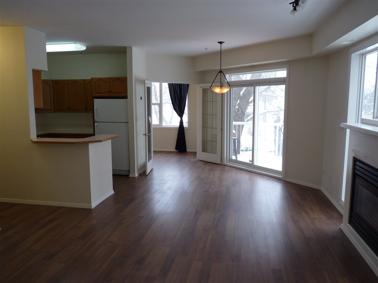 Don't miss out on this well kept 2 bath 3 bedroom condo located in the heart of Garneau! With new flooring, full appliance package, an in-suite front loading laundry set, heated underground parking, secure storage cage, and exceptional proximity to U of A it may be ideal for student accommodations. Take advantage of everything Whyte Avenue has to offer in it's eclectic shops, broad range of dining options, and incredible nightlife, then walk home to this property located on the quiet end of the Avenue. This location also provides great access to downtown or the legislature for those professionals or politicos seeking low maintenance living within a character neighbourhood outside the downtown core.