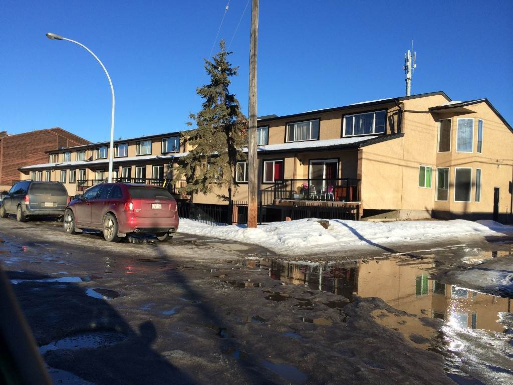 Perfect opportunity to own your own property,or invest for a great return on your money at the lowest price with great renovations and layout. Close to all Amenities and west Edmonton Mall. 13 units still available in the building. Measurements are done in accordance to RMS.