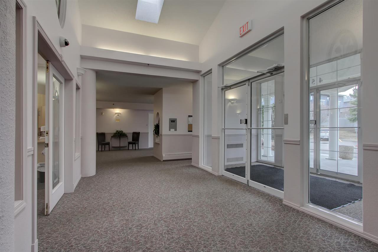 The spacious hallways at the entrance way allow plenty of sun shine to enter and then extend into the social room where you will want to spend a lot of time.