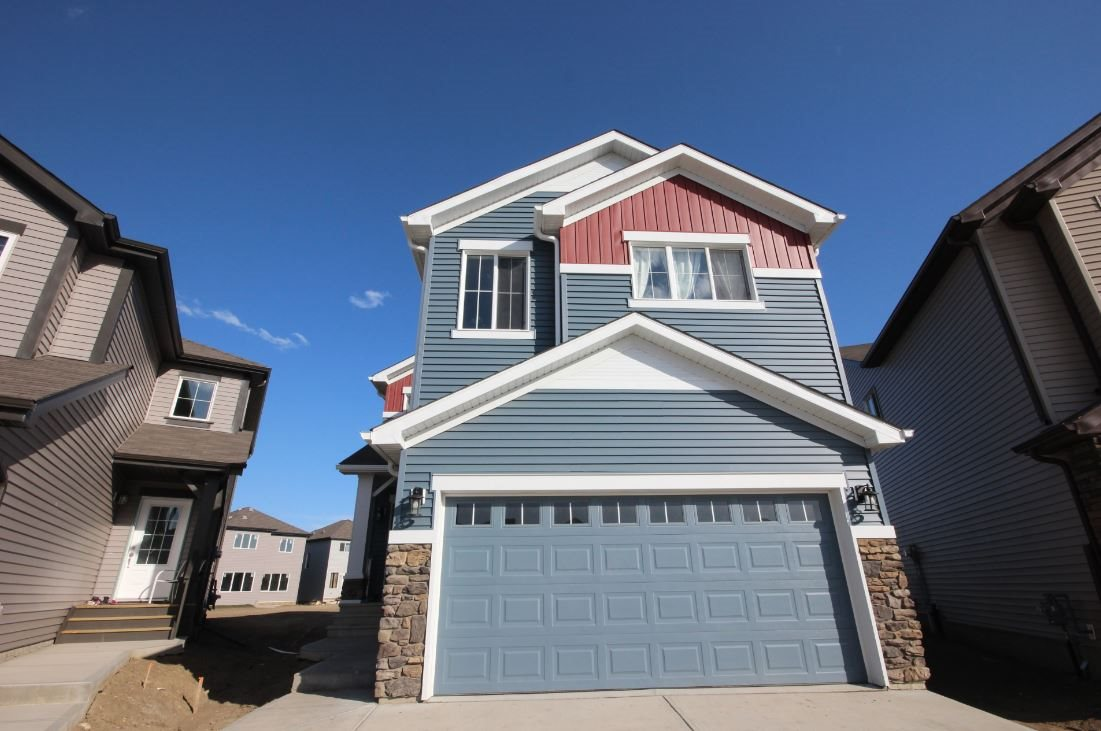 This gorgeous 5 bedroom PaceSetter home is located in the brand new community of Walker Lakes. Just minutes to walking trails, parks, shopping and transit.  With quick access to South Edmonton Common and the commuter routes, this is a great location for a young family.  The home has great curb appeal featuring a front attached garage.  The main floor is an impressive open concept living / dining / kitchen area, along with a mudroom to the garage, and a main floor den (which could be converted to an extra bedroom if need be).  The kitchen features an eat-up island with sink, beautiful tile backsplash, gas stove and upgraded stainless steel appliances.  There is plenty of space for a family table and the living room is a great place to relax with the gas fireplace.  Upstairs are 5 bedrooms, laundry as well as a den.  The master features a 4 piece ensuite with separate shower and soaker tub.  There are 4 additional bedrooms upstairs as well as the full bathroom. The basement is unfinished. A fantastic home.