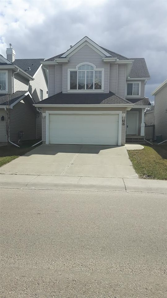 Beautiful Home in Summerside, Offers 3 bedrooms, big bonus room ,Double attached garage , new washrooms, main floor laundry , new carpet.