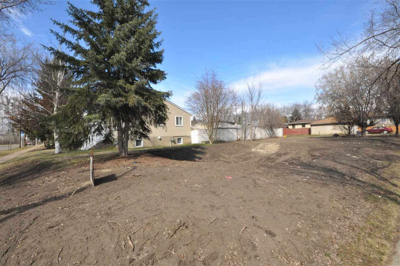 """Build your dream home! This outstanding lot is 25' 5.5"""" x 125' and is located in the highly sought after community of Forest Heights. The desirable lot has a downtown view and is located right across from the superb Forest Heights Park and McNally High School. This convenient location is only blocks away from Edmonton's beautiful river valley & trails, Riverside golf course and is close to all amenities. This lot will be fully serviced and ready to build that home you have always dreamed about! Don't miss out on this amazing opportunity!"""