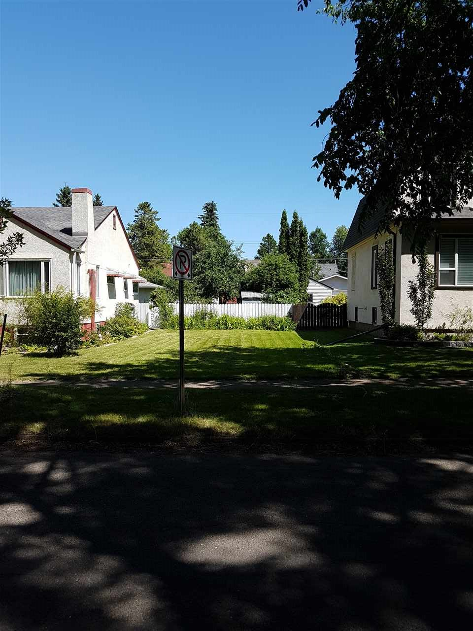 Build your dream home on this newly subdivided 7.82m (25.67') x 37.46m (122.9') lot. Beautiful tree lined street with very quick access to the downtown and Wayne Gretzky Drive. River valley a quick walk. Close to all amenities. Have a Builder that will build to suit. Very nice neighbourhood!!