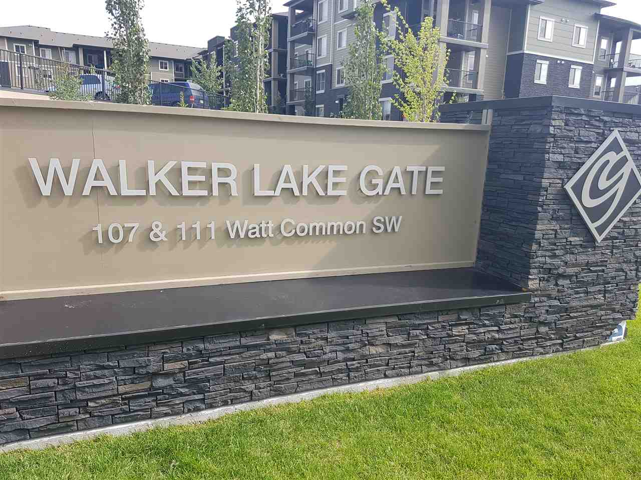 Welcome to Walker Lake Gate. Easy access to amenities including shopping, schools, transportation, recreation and offers easy access to Ellerslie Road, Calgary Trail, Gateway Boulevard, Anthony Henday and the airport.  Spacious 2 bedroom main floor condo features upgraded cabinets, back splash, front end load washer/dryer, granite counter top, and appliances in kitchen. Great location for investment property or first time buyers!