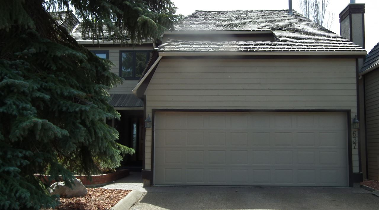 End Unit Townhome backing onto lake, creek and ravine. New paint and carpets. All new appliances.