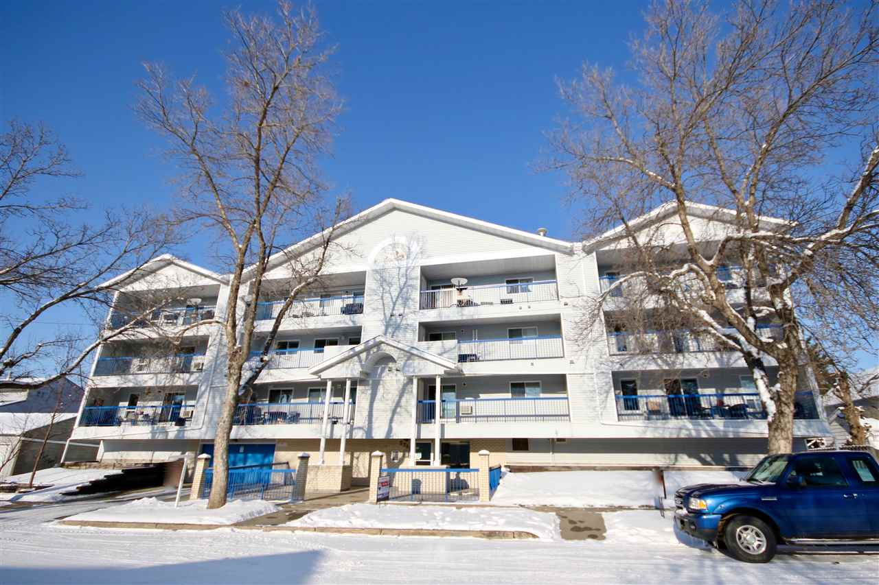 Amazing Condo in an Amazing Location to Shopping, Doctors, Dentists and Downtown Lifestyle. Here you go, Full elevator access, South Facing Balcony, Compact functional floor Plan with a Warm Comfortable Home. Single Bedroom, 4 pc. This Adult Condo is Clean, Friendly and Full of Like minded People. Great Home in a Fantastic Part of the City.