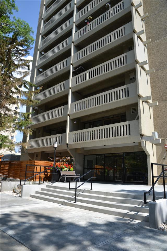 2 BEDROOM CONDO WITH A VIEW OF THE CITY IS WAITING FOR YOUR IMPROVEMENTS. ACROSS FROM LRT STATION WITH EASY ACCESS TO U OF A, NEW DOWNTOWN ARENA. CLOSE TO RIVER VALLEY. SALT WATER POOL, SAUNA, UNDERGROUND PARKING STALL IS ASSIGNED #77. WALKING DISTANCE TO SAVE ON FOODS, RESTAURANTS AND LEGISLATURE GROUNDS.