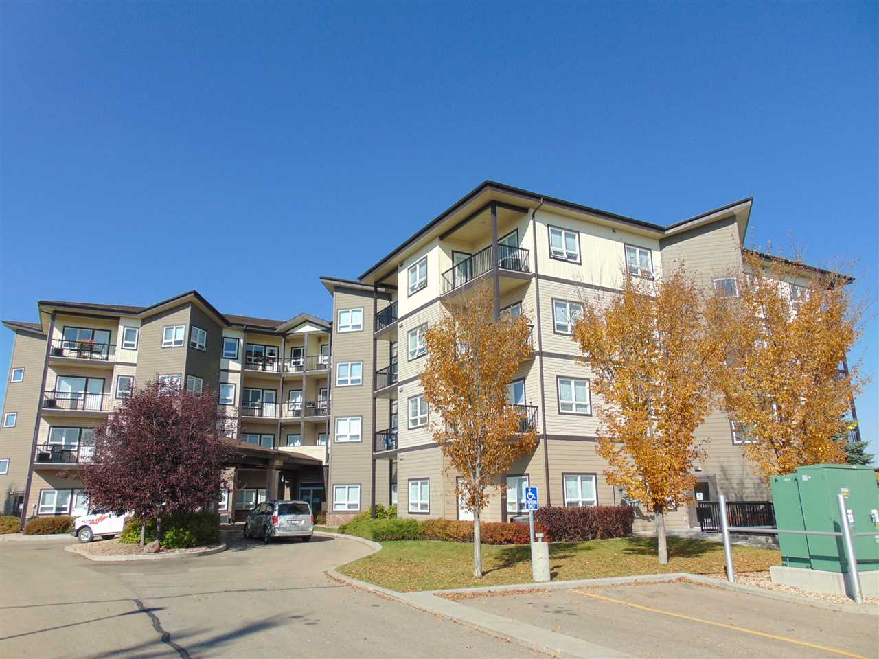 """WELCOME to this well maintained 2 bedroom condo in The Manor at Southfort - located walking distance to shopping, playgrounds, restaurants, retail and services. Owners can also use the amenities available in """"The Gardens"""" next door. NO age restrictions and pets are also allowed. This 3rd floor unit offers 6 appliances, air conditioning, roomy kitchen and 2 bedrooms, both large enough to accommodate queen sized beds. Living room offers a garden door to south facing deck. Spacious foyer and large laundry/storage is a PLUS! Heated underground parking stall included too!"""