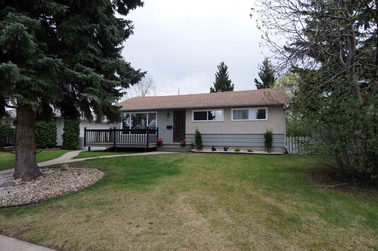 Seller a REALTOR in Province of Alberta. Compliance; buyer to accept RPR dated 2002. Fantastic location in Lynwood, this 1047 sq foot home has 5 bedrooms (total) in a quiet crescent location. This family home has been renovated with all new windows, flooring, main floor bathroom and fully renovated basement. Main floor contains 3 spacious bedrooms and a huge kitchen with stainless appliances and 6 burner gas stove oven. Basement has a small kitchenette with stainless appliances, 2 huge bedrooms, small office or den and 3 piece full bathroom.The South facing backyard  is fully landscaped and also has a patio for summer pleasure. This wonderful home is a few blocks from elementary school, shopping and easy access to Whitemud freeway!