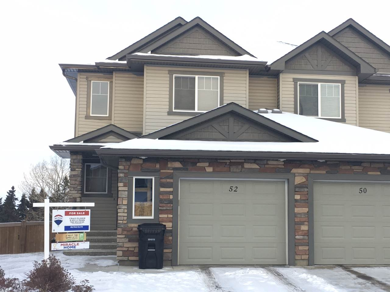 Welcome home to this fully developed, 1,313sqft, 3-bedroom, 3.5-bathroom, 2-storey half-duplex in Spruce Grove. Featuring a walk-out basement, cul-de-sac location with massive lot backing onto a green space and pond, and almost 1,900sqft of total developed living space. The kitchen is equipped with stainless steel appliances, gorgeous maple cabinetry, hardwood floors, a walk-in pantry, and an abundance of counter and cupboard space. There?s a raised breakfast bar eating area, which is open to the large family room and dining area. Step through the patio doors onto the massive deck with beautiful fall views of the pond and The Links golf course. The upper level offers an open tech area, the master bedroom with 3-piece ensuite bath, a 4-piece main bath, and 2 additional bedrooms. The basement is fully developed and hosts a laundry area, 3-piece bathroom, and large living room. Other great features include a deep single attached garage and neutral colours through out. Come home!