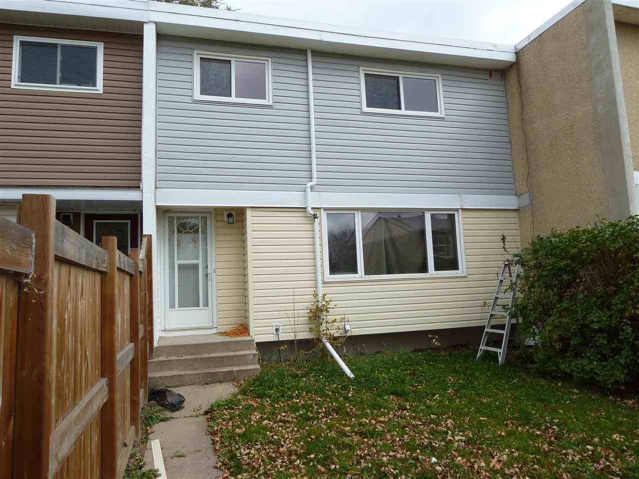 Investor Alert! Or 1st time buyers! Located in the heart of Old Fort Saskatchewan this 2-storey home comes with 3 bedrooms, 4 pce bathroom including a jacuzzi tub as well as 3 pce. Basement bathroom. Laminate flooring throughout most of the house, large living room, eating area and kitchen cabinet space. Add laundry room and family room area in a partially finished basement allows for immediate function with possibility for change. Freshen up the inside for family comfort then step outside to a large deck leading to an 18 x 24 ft. garage with 60-amp service as well as gas-line ready for garage heater. Consider downtown shopping, restaurants, fully fenced & landscaped area close to playgrounds with ample parking makes this a property full of value and worth considering. Don?t pass this one by!
