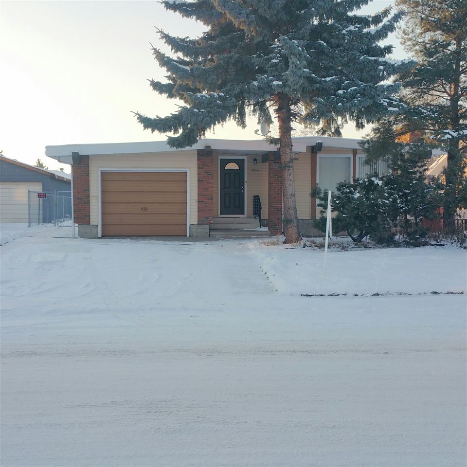GOOD BUNGALOW IN DUGGAN AREA.  MAIN FLOOR HAS VAULTED CEILING IN LIVING ROOM, DINING ROOM, KITCHEN, 3 BEDROOMS, 1.5 BATHS. BASEMENT HAS FAMILY ROOM, BEDROOM, LAUNDRY ROOM AND FULL BATH. SINGLE ATTACHED GARAGE. FENCED BACKYARD BACKONTO ANOTHER SINGLE HOUSE.
