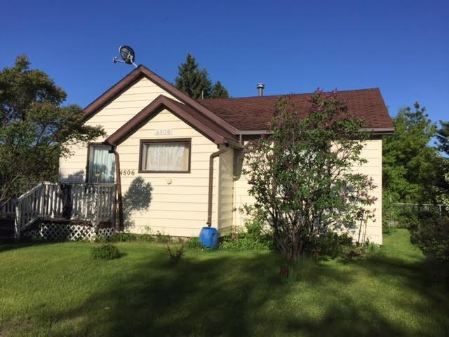 Great starter home located on 0.13 acres of land in the Village of Andrew. This 3 bedroom 974 sq ft home has had some upgrades over the years such as 100 amp service, laminate flooring, furnace, hot water tank and windows. Situated on 50 st with a front drive, fenced yard, storage sheds and deck and located right at the edge of town.